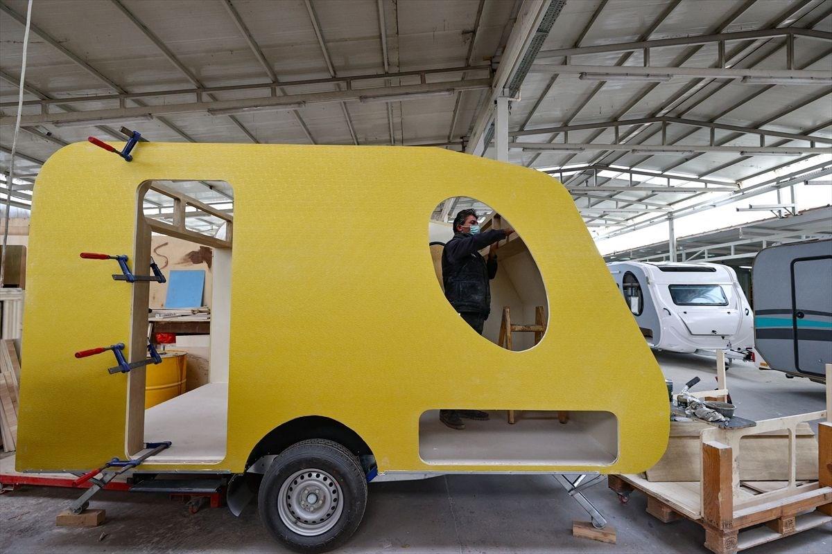 1618050076 504 Tatilcilerin yeni gozdesi karavanda ureticiler talebe yetisemiyor