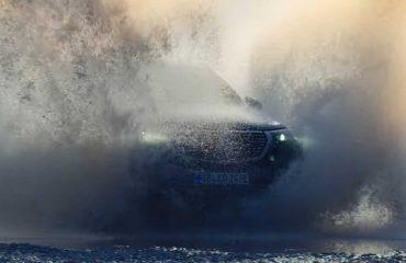 Mercedes EQC 4x4² off-road hünerlerini videoyla sergiledi.