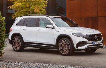 Mercedes elektrikli SUV modeli EQB'yi tanıttı