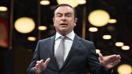 İnterpol, eski Nissan CEO'su Carlos Ghosn için tutuklama kararı çıkarttı