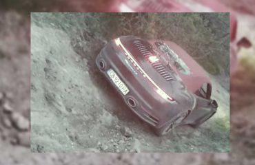 https://cdn.motor1.com/images/mgl/x1POw/s6/porsche-911-off-road.jpg