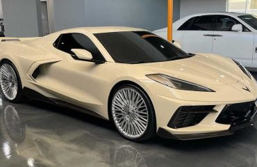 Bej Renkli Corvette C8
