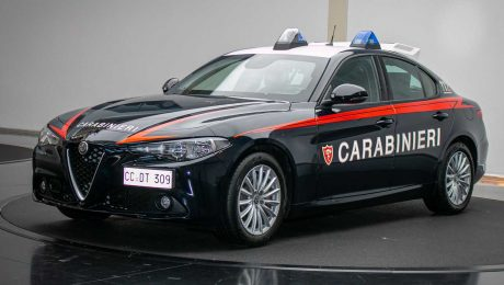 Arma dei Carabinieri için hazırlanan Alfa Romeo Giulia