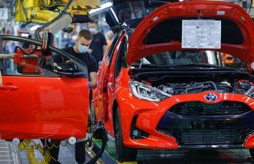 Toyota iki üretim hattını durduracak