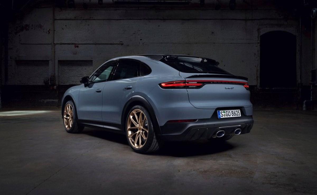 1625049175 129 Porsche SUV ailesinin 640 beygirlik yeni uyesi Cayenne Turbo GT