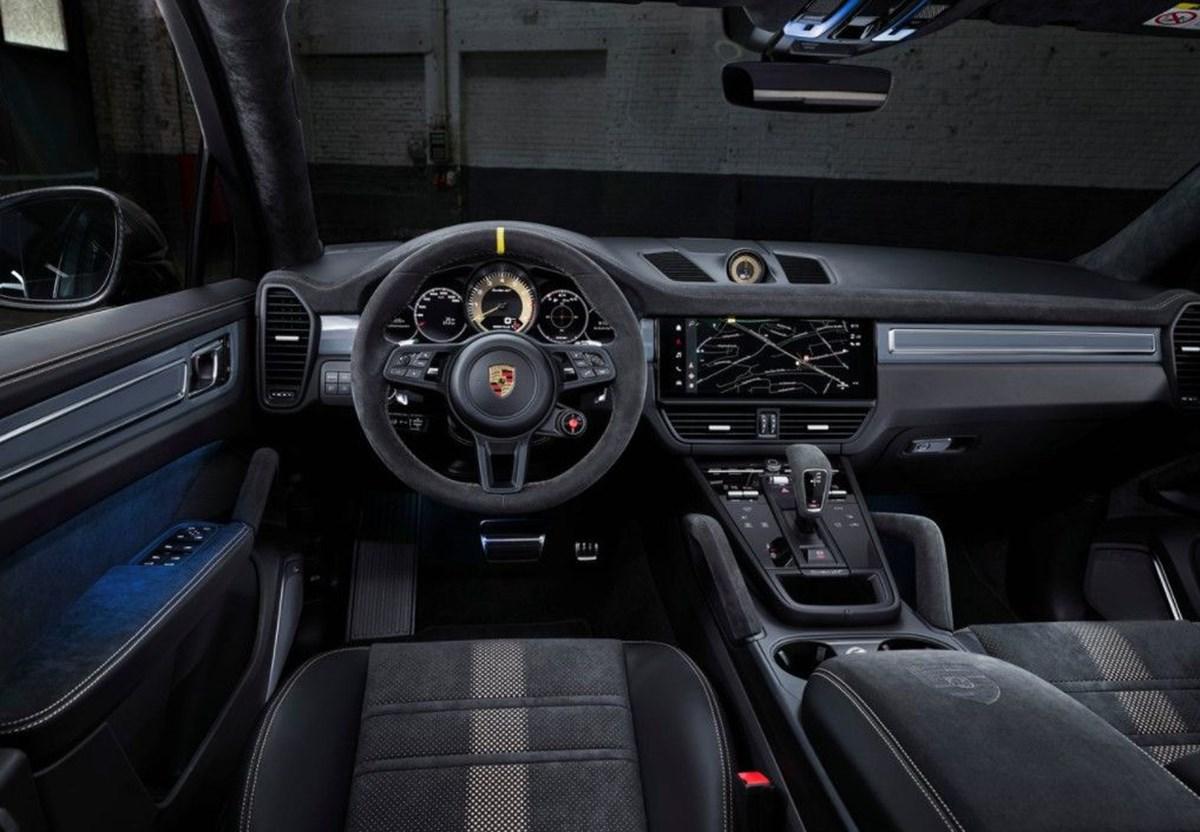 1625049175 745 Porsche SUV ailesinin 640 beygirlik yeni uyesi Cayenne Turbo GT