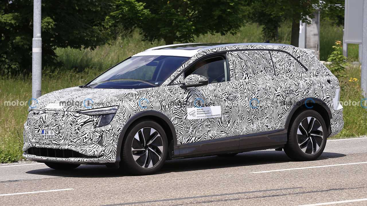 Audi Dev SUV Ön Cephe