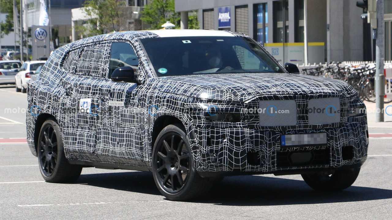 2022 BMW X8 Yeni Casus Fotoğraflar