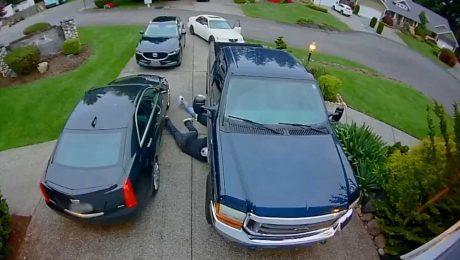 Hırsızlar aracın katalizörünü çalarken yakalandı