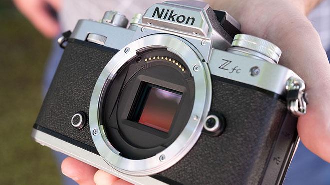 Klasik çizgide gelen Nikon Z fc tanıtıldı; işte fiyat ve özellikleri