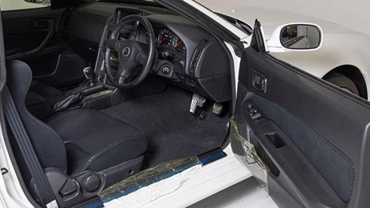 1626254605 699 Nissan Skyline GT R R34 V Spec II Nur rekor fiyata satildiSadece