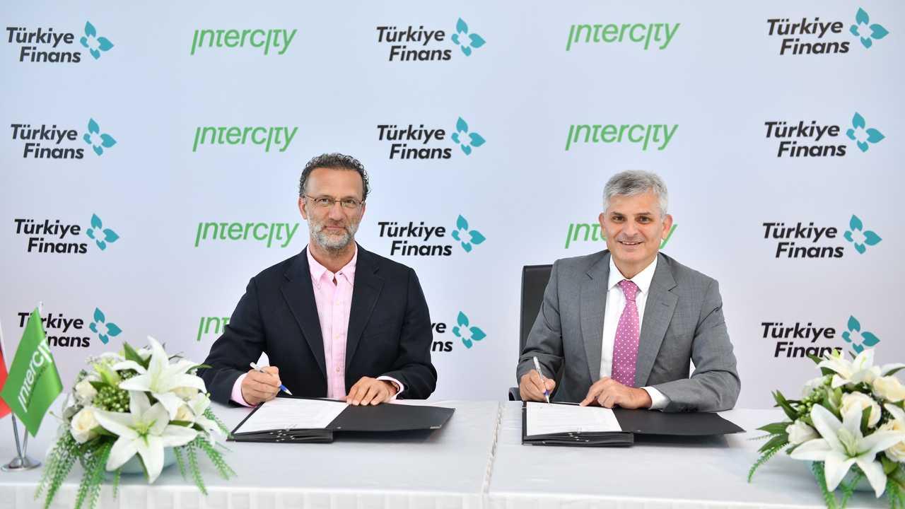 Intercity Yonetim Kurulu Baskani Vural Ak Turkiye Finans Genel Muduru Murat Aksam