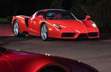 2003 Model Ferrari Enzo rekor fiyata alıcı buldu.