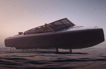 Su üstünde uçan iddialı elektrikli tekne: Candela C-8