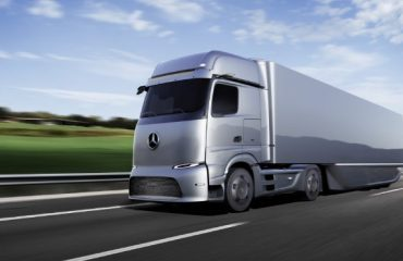 Mercedes elektrikli kamyon