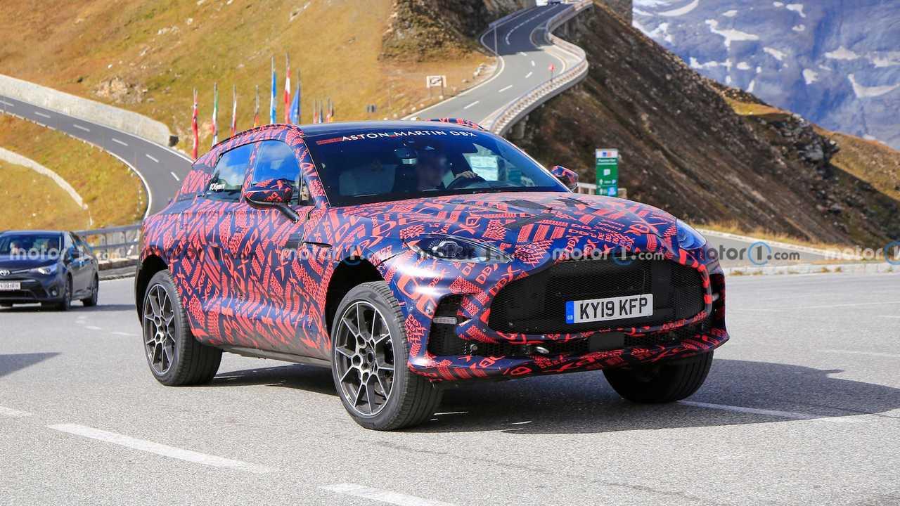 Aston Martin DBX S Prototipi Ön Cephe