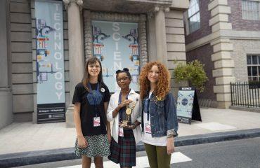Kadın çalışanları öğrencilere rol model oluyor!