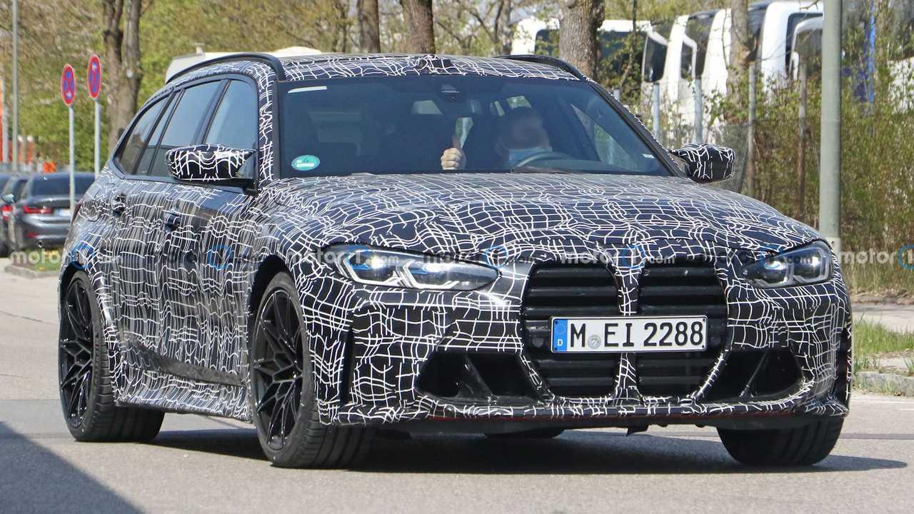 BMW M3 Touring casus fotoğrafı.