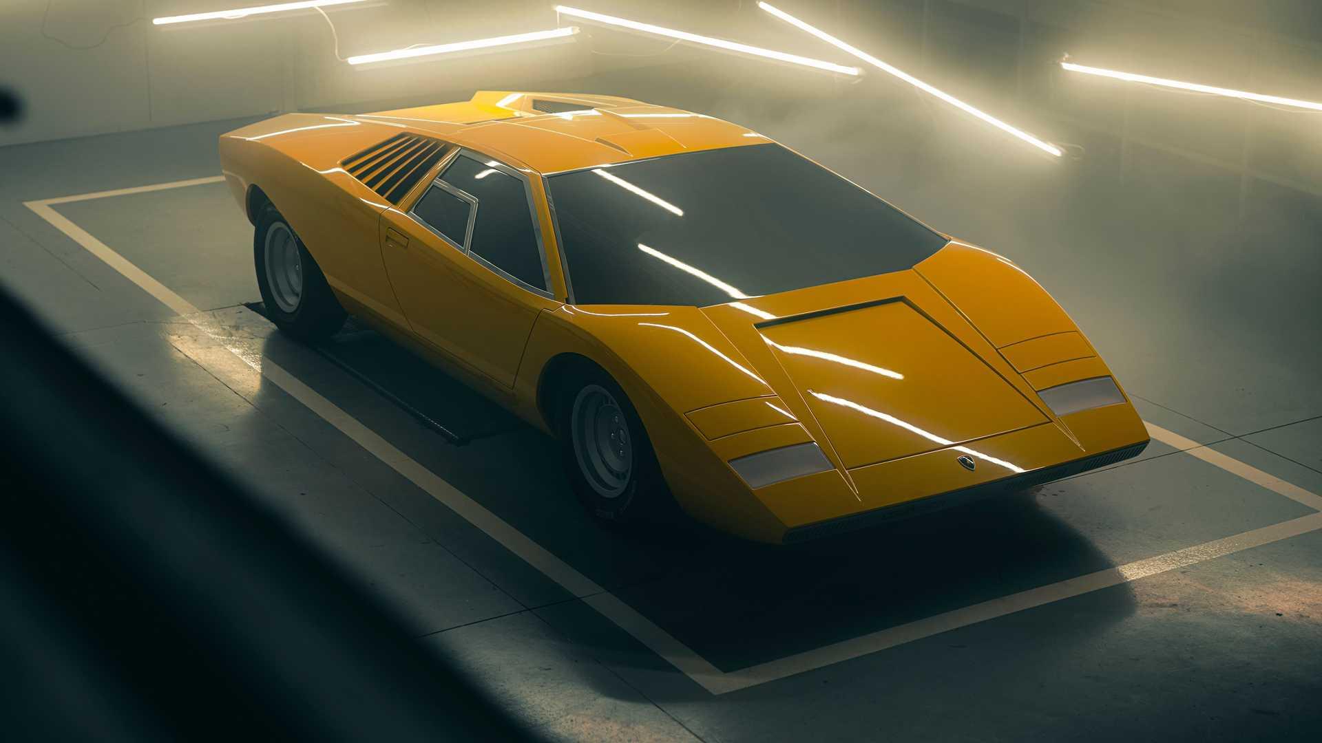 Lamborghini, ilk Countach'ı restore etti!
